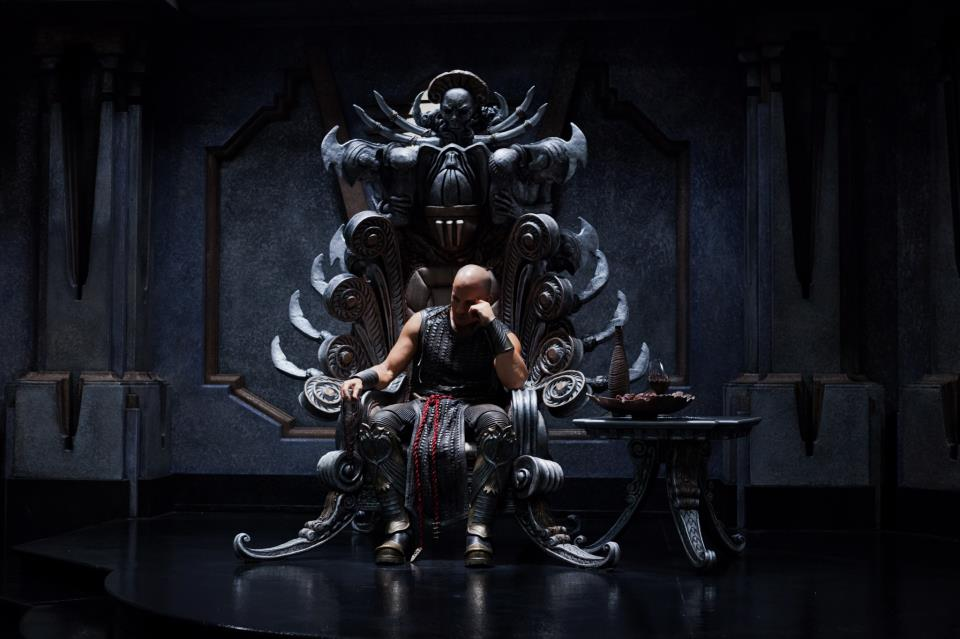 Riddick on Furyan throne